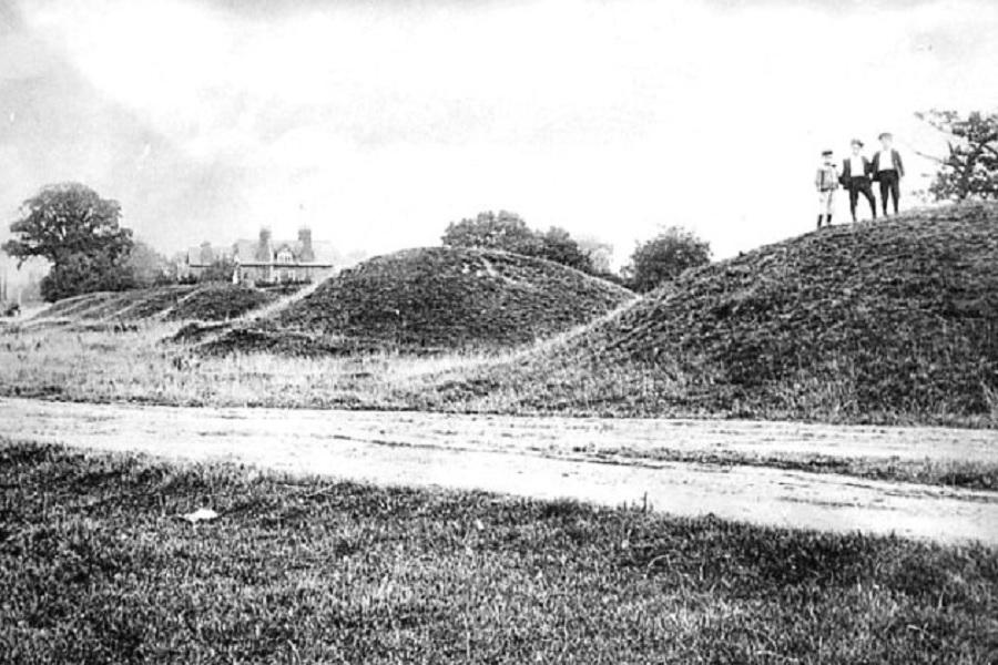 stevenage-six-hills-1895