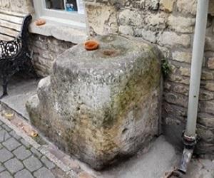 Edmund Boulter Mounting Block - Stamford